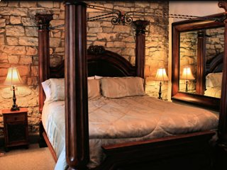 Royal Flush - Downtown Eureka Springs - Eureka Springs vacation rentals