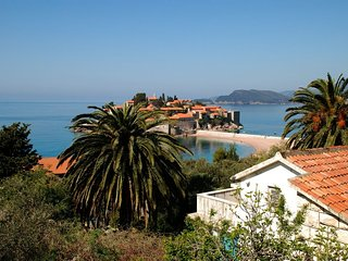 One bedroom apartment (2+2) with view on St. Stephen #1 - Sveti Stefan vacation rentals