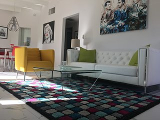 Calm Springs! Retro, Remodeled, Central Palm Springs Oasis - Palm Springs vacation rentals