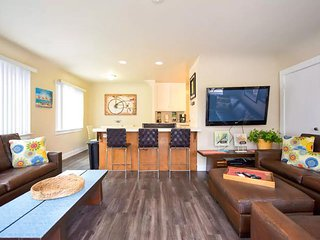 4 bedroom  North Mission ground Floor Villa at the beach! - Pacific Beach vacation rentals