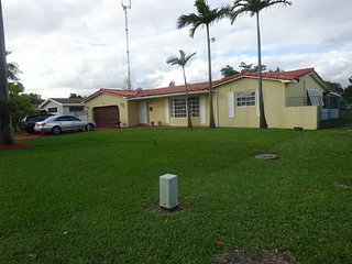 Comfortable House with Internet Access and A/C - Miami Gardens vacation rentals