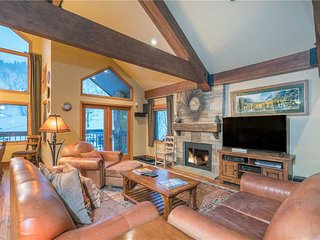 Perfect 3 bedroom Telluride Apartment with Deck - Telluride vacation rentals