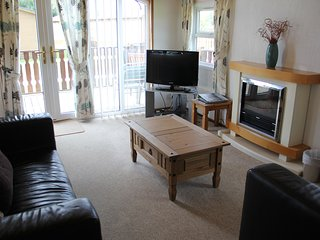 GRESSINGHAM LODGE, South Lakes Leisure Village, Carnforth - Yealand Conyers vacation rentals