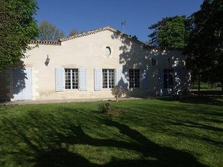 House with 3 rooms near Marmande with enclosed garden and WiFi - sleeps 8! - Montpouillan vacation rentals