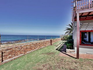 Simons Town Lodge - Garden Villa - Sleeps 8 - Glencairn vacation rentals
