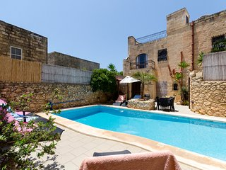 Ta'Peppa Traditional Farmhouse with Private Pool - Xaghra vacation rentals