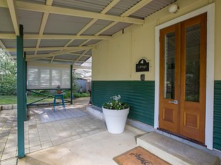 Clem & Tines Vintage Beach Cottage - Binningup vacation rentals