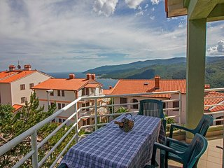 Spacious 150 sqm app with 3bedrooms for 8persons 079 - Rabac vacation rentals