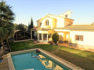 Comfortable Villa with Internet Access and Central Heating - Olivella vacation rentals