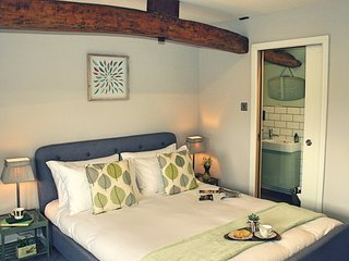 THE NEST AT WINNALL - Luxury 19th Century Cottage - Stourport on Severn vacation rentals