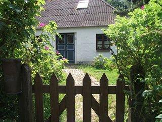 Gemuetlich eingerichtetes familienfreundliches altes Bauernhaus - Hattstedtermarsch vacation rentals