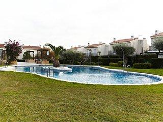 MONTAGUT I-Swiming pool in quite community - L'Ametlla de Mar vacation rentals