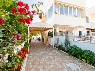 Sole - 3 terraces- low season €350, 7d  included linen e wifi - Torre Santa Sabina vacation rentals
