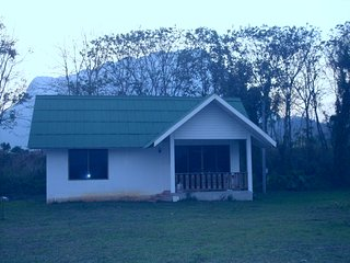 Perfect 1 bedroom Guest house in Chiang Dao - Chiang Dao vacation rentals