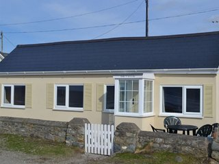 Gorgeous Beach Bungalow RIGHT ON THE BEACH at Aberdesach near Dinas Dinlle - FAB - Dinas Dinlle vacation rentals