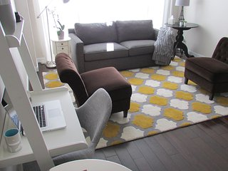 4 Casci Avenue UPPER is One Stunning Unit! Welcome to the Upper Beaches! - Toronto vacation rentals