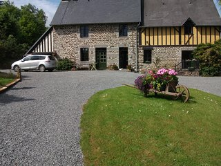 Maison May B&B Double Room with private bathroom. - La Chapelle-Uree vacation rentals