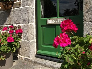 'MAISON MAY' FAMILY FRIENDLY LUXURY B&B SLEEPS 6 - La Chapelle-Uree vacation rentals