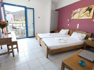 Spacious One Bedroom Apt with Lovely Mountain View - Hersonissos vacation rentals
