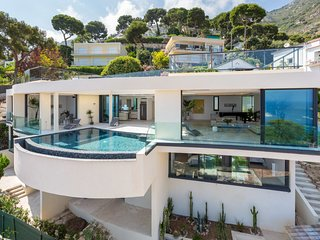 Glamorous Contemporary Villa, Infinity Pool, Snorkels, Fishing Gear, Beach - Eze vacation rentals