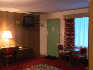 1 bedroom Private room with Internet Access in Ironwood - Ironwood vacation rentals