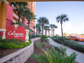 2 Bedroom and Bunkroom with 4 Beach Chairs/2 Umbrellas at Calypso Resort - Panama City Beach vacation rentals