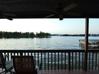 Beautiful Water Views on Lake Hamilton in this NEWLY RENOVATED condo! - Lake Hamilton vacation rentals