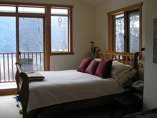 Hillhouse Vacation Rental - Scenic Luxury and Convenience - Nelson vacation rentals