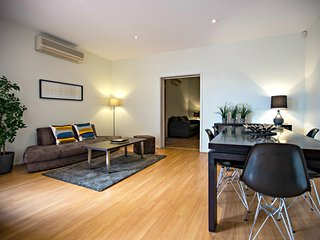 2 BR 2 BA Townhouse - O'Connell St, North Adelaide - Adelaide vacation rentals