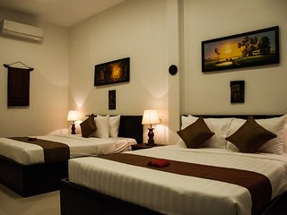 Bright 4 bedroom Siem Reap House with Internet Access - Siem Reap vacation rentals