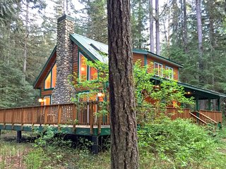 #78 Country cabin with a hot tub near Mt. Baker! - Glacier vacation rentals