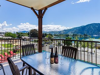 Luxury condo w/ lake, hot tub, & infinity pool at your fingertips! - Manson vacation rentals