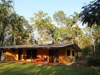 Rakhi Retreat Holiday Accomodation - Humpty Doo vacation rentals