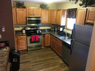 4 Bedroom fits 2 families Walk to Slopes - Tannersville vacation rentals