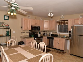 2 minute walk to ski slopes right on mountain Very Clean and new 110 - Tannersville vacation rentals