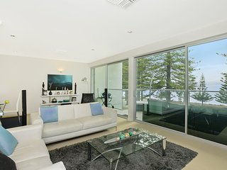 Gorgeous Condo with A/C and Television - Victor Harbor vacation rentals