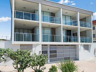 Stunning surfside apartment - 3/74 Boyd St - Bribie Island vacation rentals