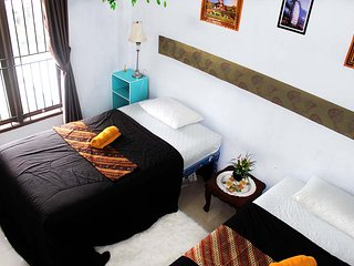 Romantic 1 bedroom Panakkukang House with Internet Access - Panakkukang vacation rentals