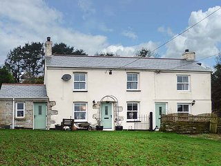 LONGVIEW COTTAGE, cosy cottage, WiFi, pet-friendly, in Penwithick near St Austell, Ref 946405 - Saint Austell vacation rentals