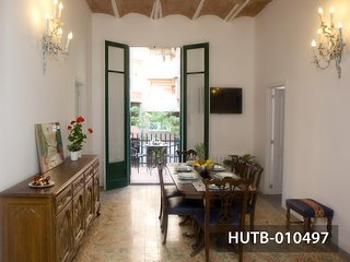 Domènech i Montaner Apartment - Barcelona vacation rentals