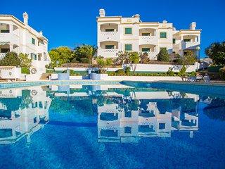 2 Bedroom Apartment With Communal Pool, Carvoeiro - Carvoeiro vacation rentals