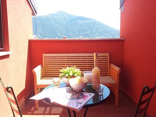 Spacious Apartment Camelia 39 with Lake View & Balcony, 8 Persons, 3 Bedrooms - San Siro vacation rentals