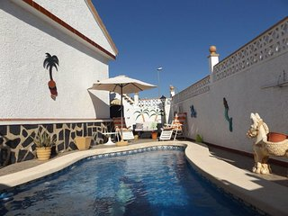 Exceptional 2 bedroom villa sleeps 4,pool. A sector.Camposol Mazarron Murcia. - Camposol vacation rentals