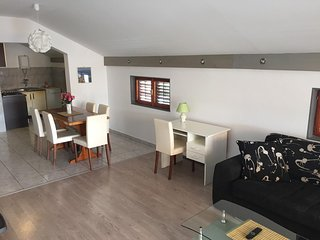 3 bedroom Apartment with Internet Access in Betina - Betina vacation rentals