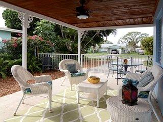 Updated House in Quiet Friendly Neighboorhood Near Beaches & Downtown Stuart - Stuart vacation rentals