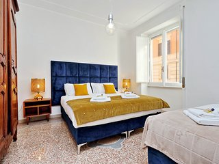 Rome Unique Dante Colosseum 3 bedroom - Rome vacation rentals