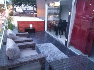 7 bedroom parque lleras spacious balcony with 2, eight person jacuzzi apartment. - Medellin vacation rentals