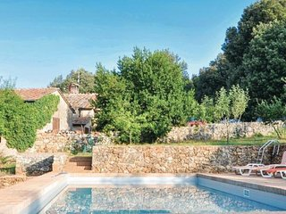 Entire Tuscan Farm Private Fenced Pool Free WiFI Pizza Oven near Siena 10P - Sovicille vacation rentals