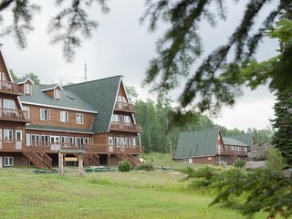 Club Odanak - Classic Room, 2 Single Beds - La Tuque vacation rentals