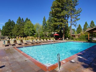 3BR Condo ... Sleeps 8 ... close to Mt. Bachelor - Bend vacation rentals